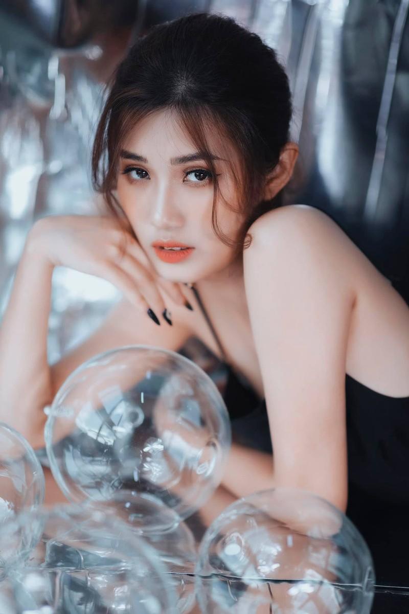 Nu streamer tuoi Suu muon khang: Choi game khong he xau