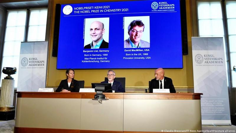 Vi sao cong trinh doat giai Nobel Hoa hoc 2021 la phat hien vi dai?