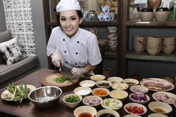 Loat sao Viet mo nha hang quan an: Khen it, che nhieu-Hinh-5