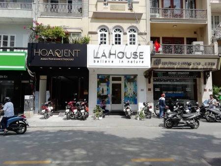 Nguoi Nhat khen nuoc hoa made in Vietnam