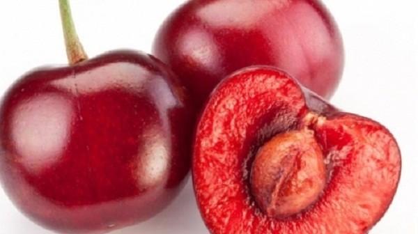 Lien tuc an 6kg cherry, gai tre suyt phai tra gia dat