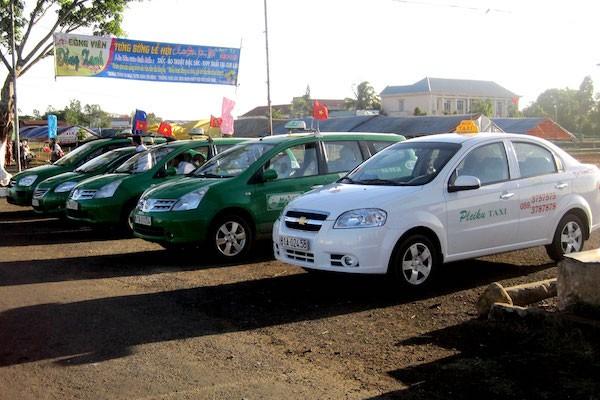 Tu 1/7/2015, xe taxi bat buoc phai lap hop den