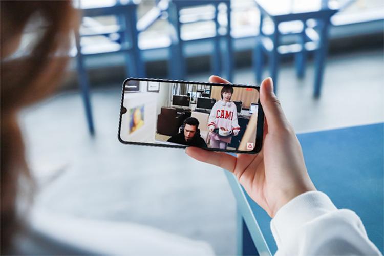 Vi sao smartphone co man hinh Super AMOLED dang tien?