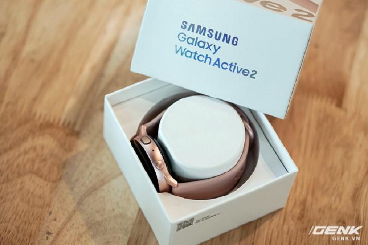 Mua Galaxy Watch Active 2, tang tai nghe khong day 3.5 trieu-Hinh-2