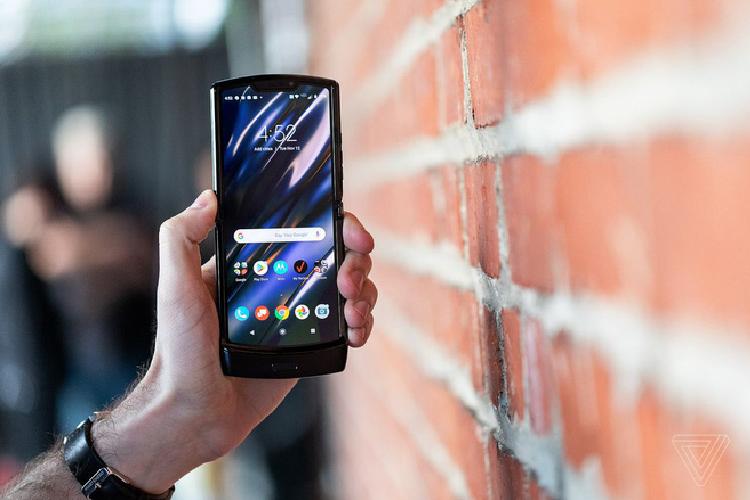 Motorola Razr hoi sinh voi smartphone Android gia 1.500 USD-Hinh-4