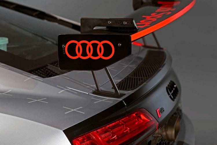 Ngam phien ban dua LMS GT4 cho sieu xe Audi R8 V10-Hinh-7