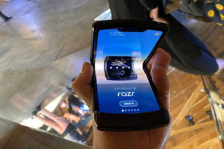 Motorola RAZR 2019 se kho thanh cong vi diem yeu chi mang-Hinh-4