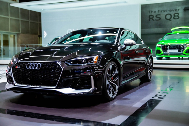 Can canh Audi RS 5 moi phien ban