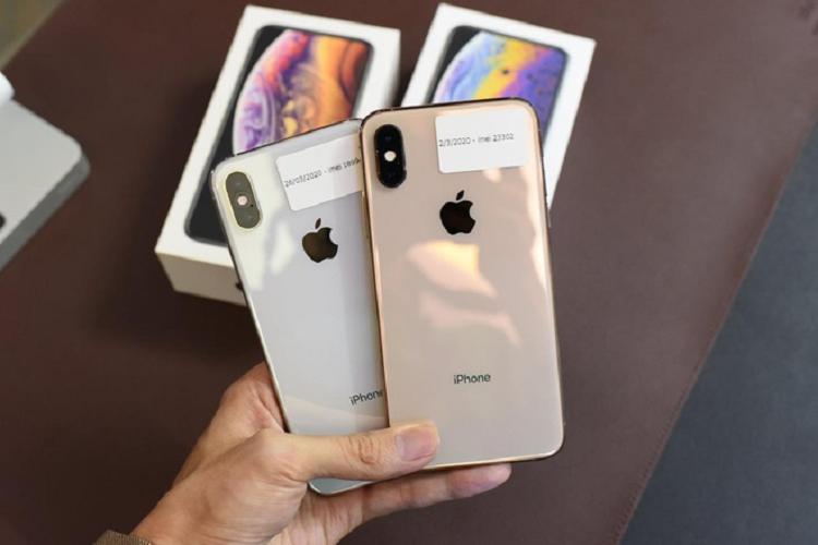 iPhone XS Max khoa mang chi con 10 trieu dong o Viet Nam-Hinh-2