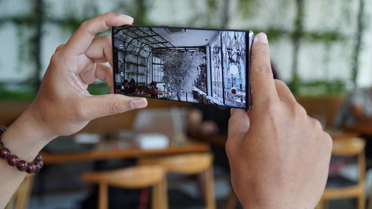 Huawei Mate 30 Pro 5G chiem ngoi vuong lang nhiep anh di dong-Hinh-2