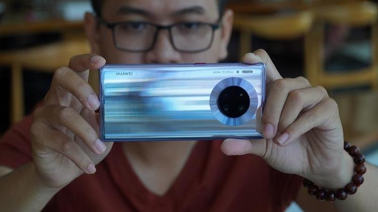 Huawei Mate 30 Pro 5G chiem ngoi vuong lang nhiep anh di dong
