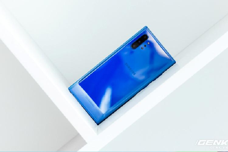 Cam nhan mau moi tren Galaxy Note10+ Aura Blue-Hinh-4