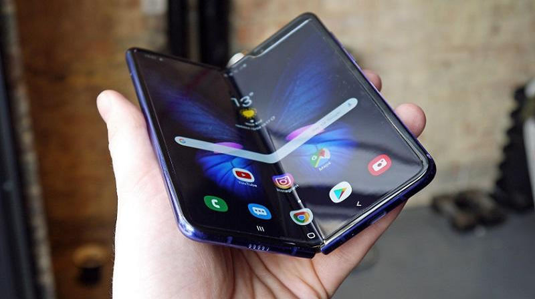 Galaxy Fold la chiec smartphone tot nhat nam 2019-Hinh-2