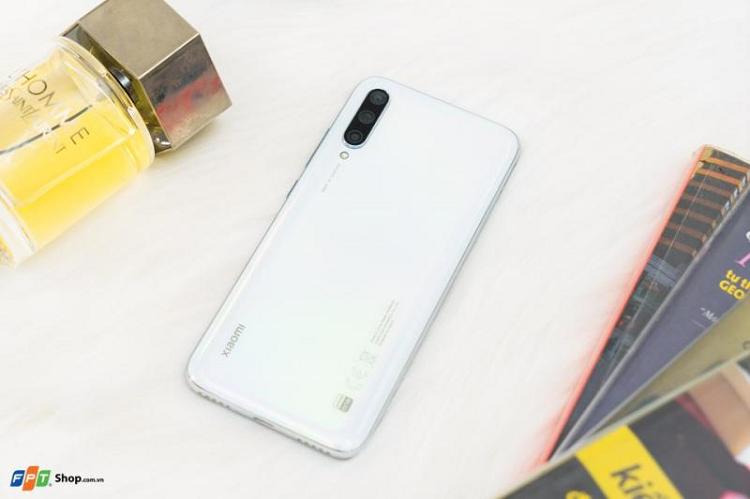 Xiaomi Mi A3 dung chip Snapdragon 665 gia khoang 3 trieu dong-Hinh-4