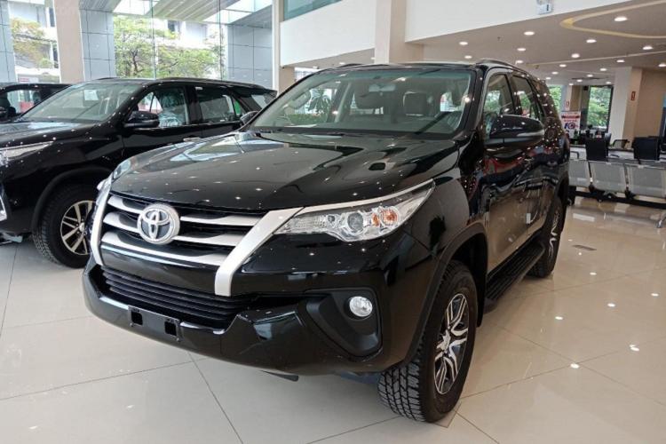 Toyota Fortuner va Ford Everest giam toi 100 trieu tai Viet Nam-Hinh-3
