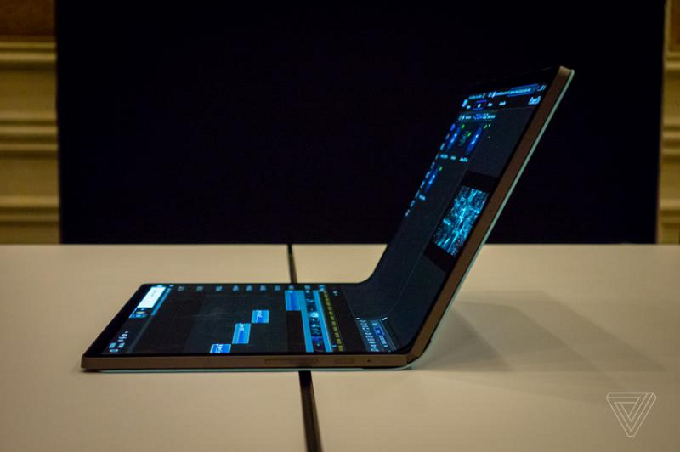 Intel trinh lang mau concept PC Horseshoe Bend man hinh gap