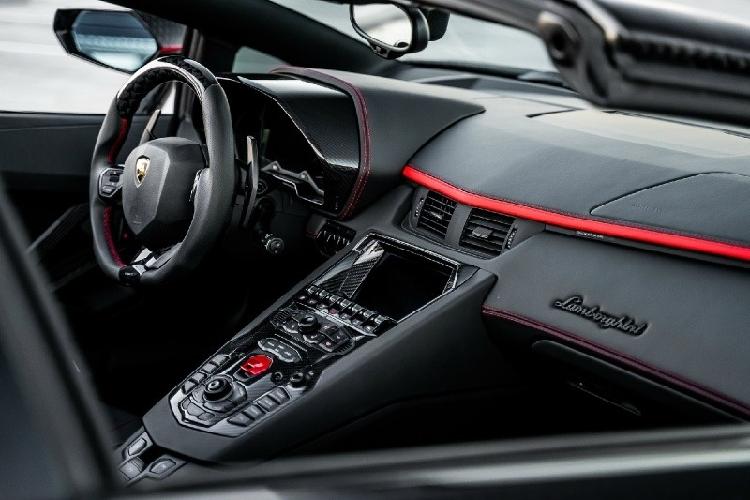 Lamborghini Aventador phong cach may bay tang hinh tu Mansory-Hinh-4