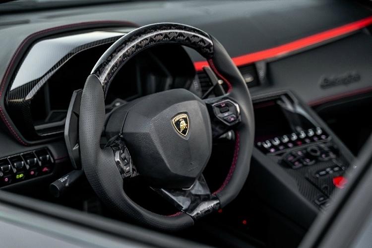 Lamborghini Aventador phong cach may bay tang hinh tu Mansory-Hinh-5