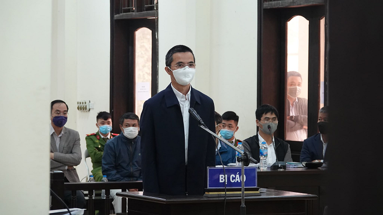 Cuu Chanh Thanh tra Bo TT&TT bi de nghi muc an 15 - 18 thang tu giam