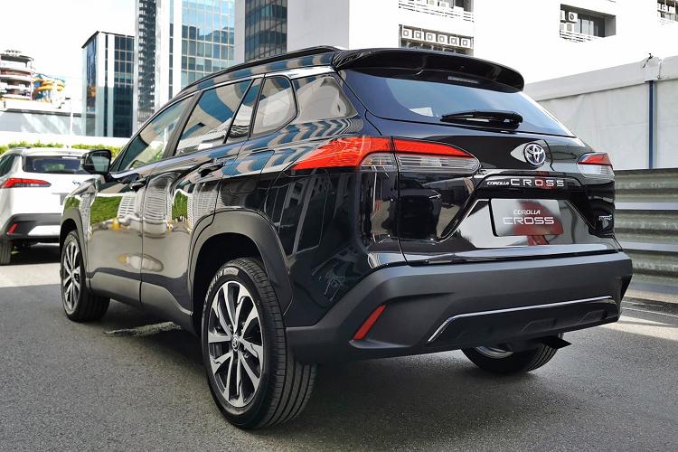 Toyota Corolla Cross ban 1.8 Sport sap ve Viet Nam co gi?-Hinh-4
