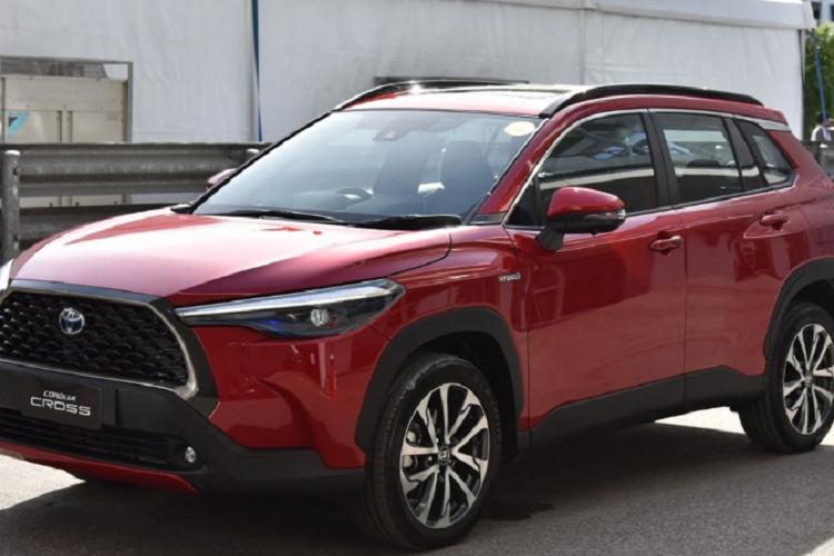 Toyota Corolla Cross ban 1.8 Sport sap ve Viet Nam co gi?-Hinh-7