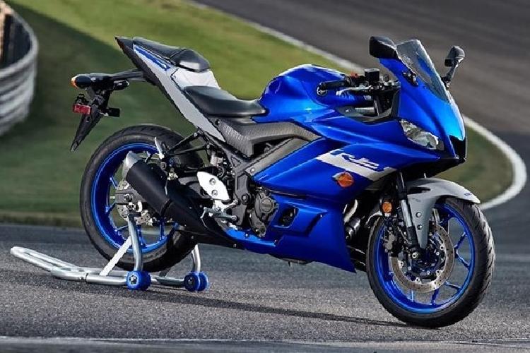 Yamaha bac thong tin xe moto R3 trang bi dong co 4 xy lanh