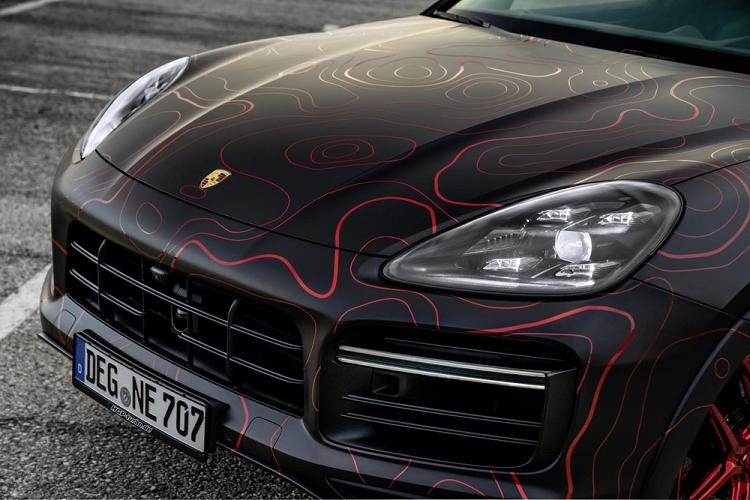 Porsche Cayenne do 948 ma luc, hoa tiet do Ruby cuc ngau-Hinh-3