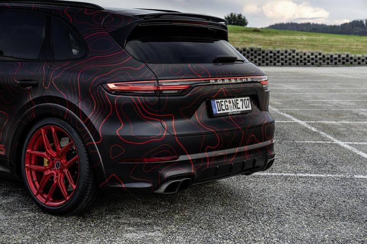 Porsche Cayenne do 948 ma luc, hoa tiet do Ruby cuc ngau-Hinh-5