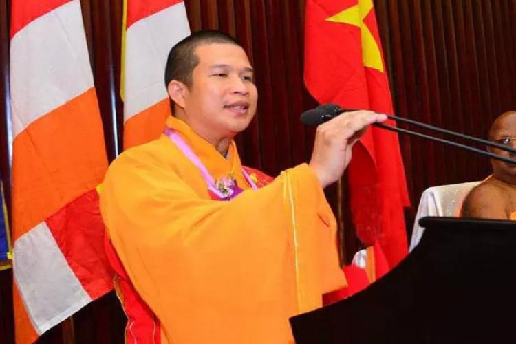 Tru tri chua Phuoc Quang phai hoan tuc vi bi to lua dao so tien lon