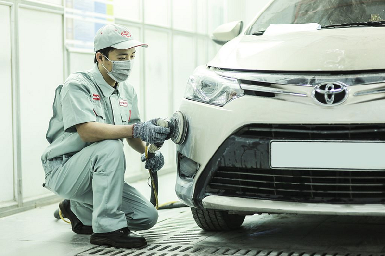 Toyota Viet Nam chung tay ung ho mien Trung khac phuc lu lut