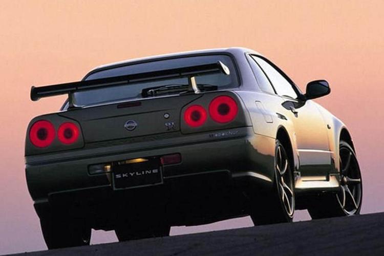 "Nissan Skyline GT-R R34 ""hang doc"" len toi 7,25 ty dong-Hinh-4"