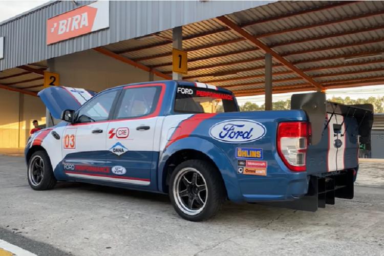 Ngam ban tai Ford Ranger Raptor Race Truck