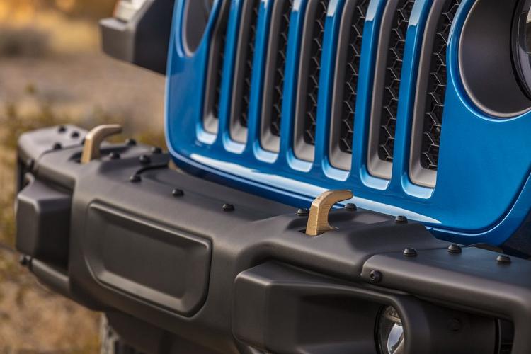 Ra mat Jeep Wrangler 2021 su dung dong co HEMI V8-Hinh-4