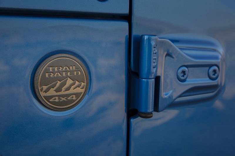 Ra mat Jeep Wrangler 2021 su dung dong co HEMI V8-Hinh-6