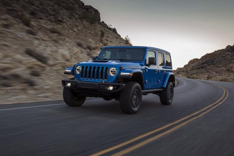 Ra mat Jeep Wrangler 2021 su dung dong co HEMI V8-Hinh-8
