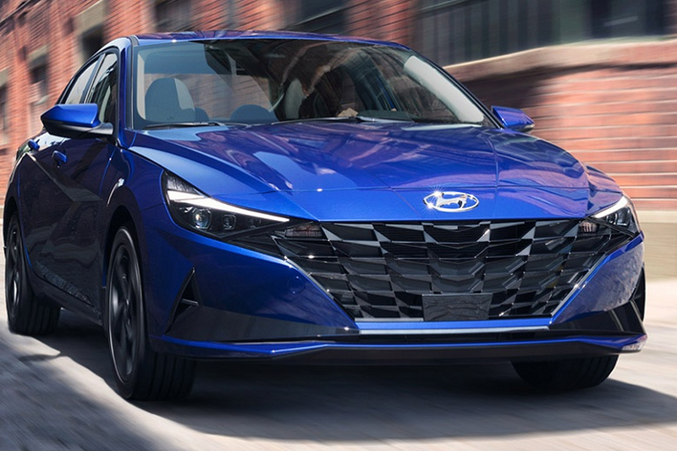 Hyundai Elantra 2021 tu 579 trieu dong tai Malaysia, co ve VN?
