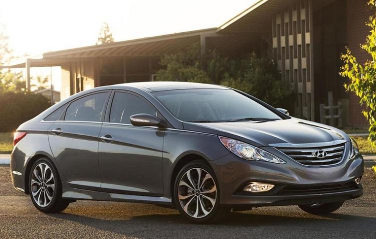 Hyundai bi phat 54 trieu USD vi loi dong co Sonata va SantaFe