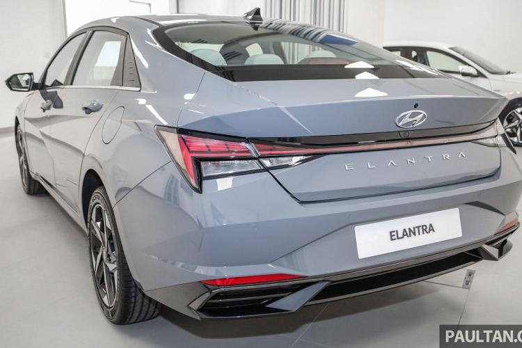 Hyundai Elantra 2021 tu 572 trieu dong tai Malaysia, sap ve VN?-Hinh-2