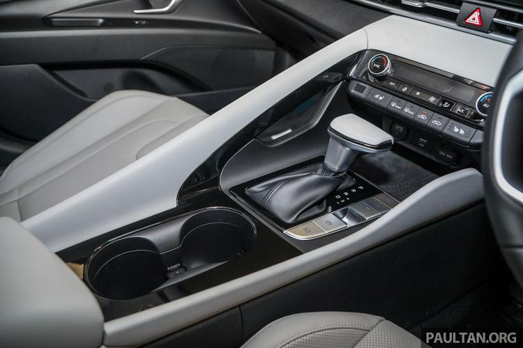Hyundai Elantra 2021 tu 572 trieu dong tai Malaysia, sap ve VN?-Hinh-6
