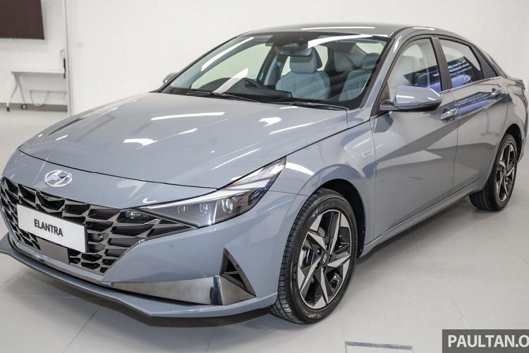 Hyundai Elantra 2021 tu 572 trieu dong tai Malaysia, sap ve VN?