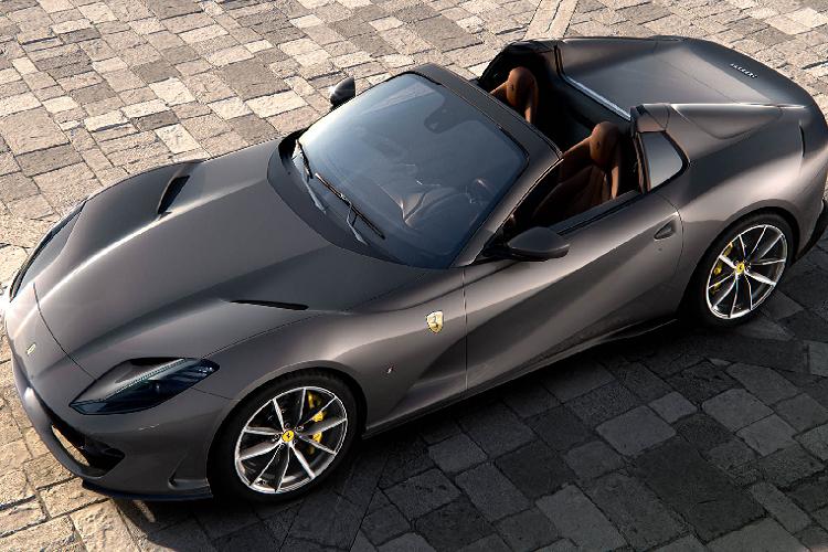 Sieu xe Ferrari 812 GTS va SF90 Stradale la xe cua nam 2020-Hinh-2