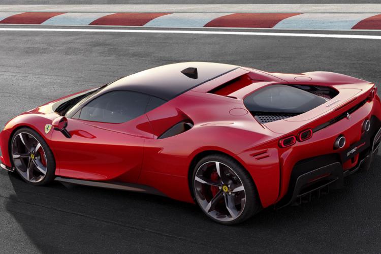 Sieu xe Ferrari 812 GTS va SF90 Stradale la xe cua nam 2020-Hinh-3