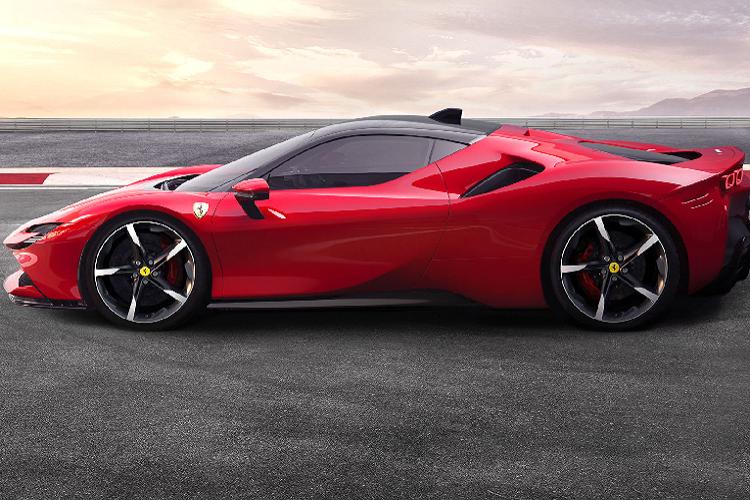 Sieu xe Ferrari 812 GTS va SF90 Stradale la xe cua nam 2020-Hinh-7