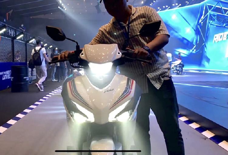 Yamaha Exciter 155 VVA 2021 tai Viet Nam - ong vua con tay moi-Hinh-6