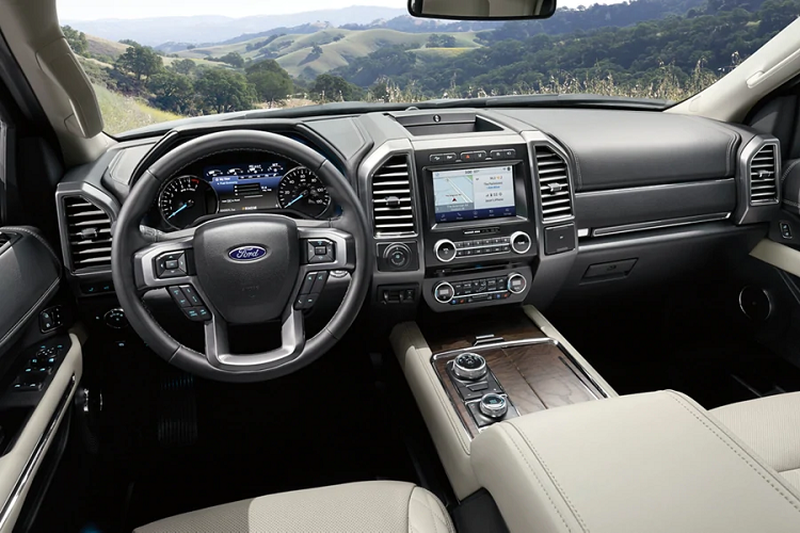 Chi tiet Ford Expedition 5 cho gia re, chi 1,15 ty dong-Hinh-3