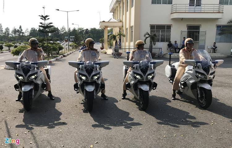 Sieu moto Yamaha 1300 o An Giang chi dung de dan doan-Hinh-2
