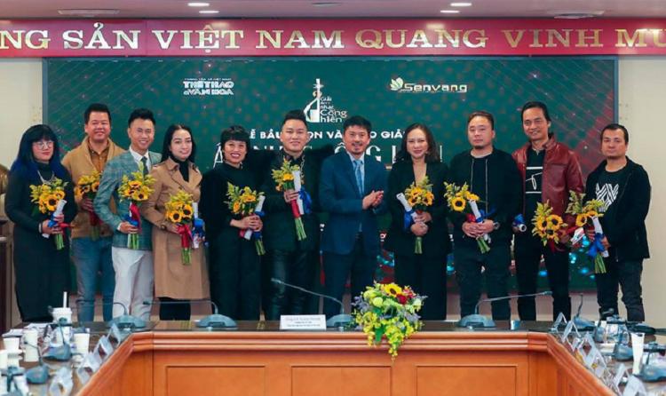 Tung Duong lap ky luc 13 lan nhan cup, De Choat gianh giai Cong hien-Hinh-2