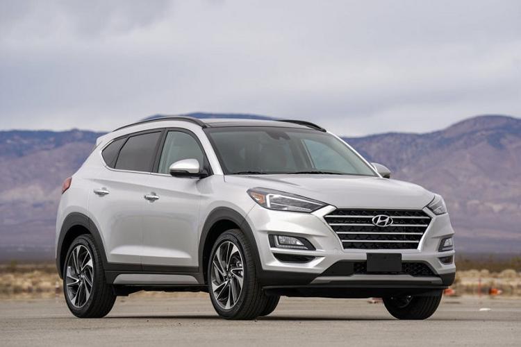 Hyundai khuyen nguoi dung nen do Tucson ngoai troi.... vi so chay