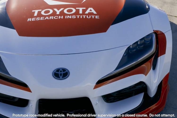 "Toyota GR Supra, xe the thao ""drift tu dong"" o toc do cao-Hinh-3"