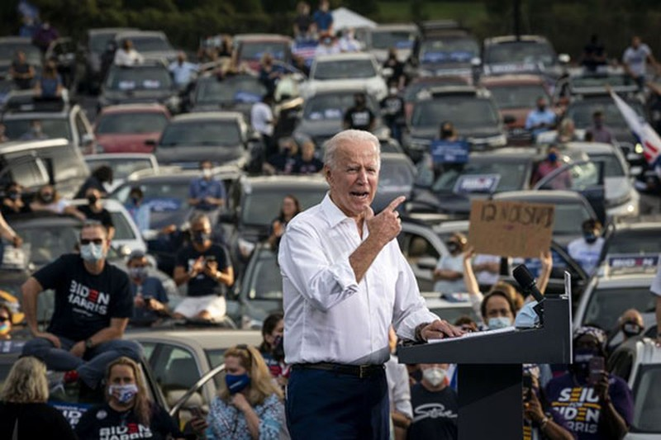 Tong thong Joe Biden se thay doi xe lien bang bang oto dien-Hinh-2